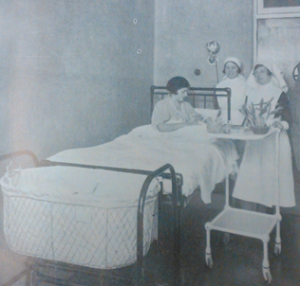 A private room at the Liverpool Maternity Hospital, c.1930 (image taken from the LMH Annual Report for 1932, p. 39). Liverpool Record Office, 614 MAT 1/5.